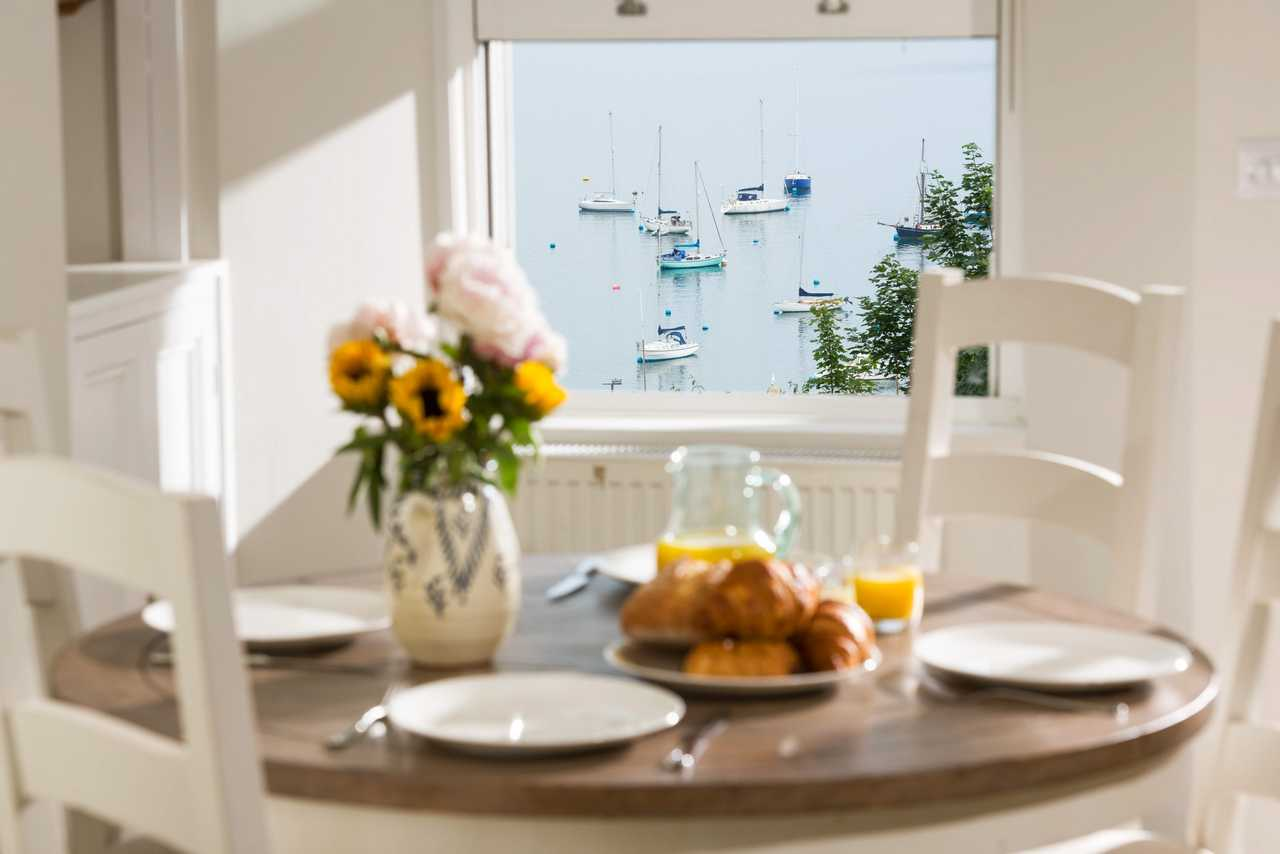 Sea View harbourside holiday home in Falmouth